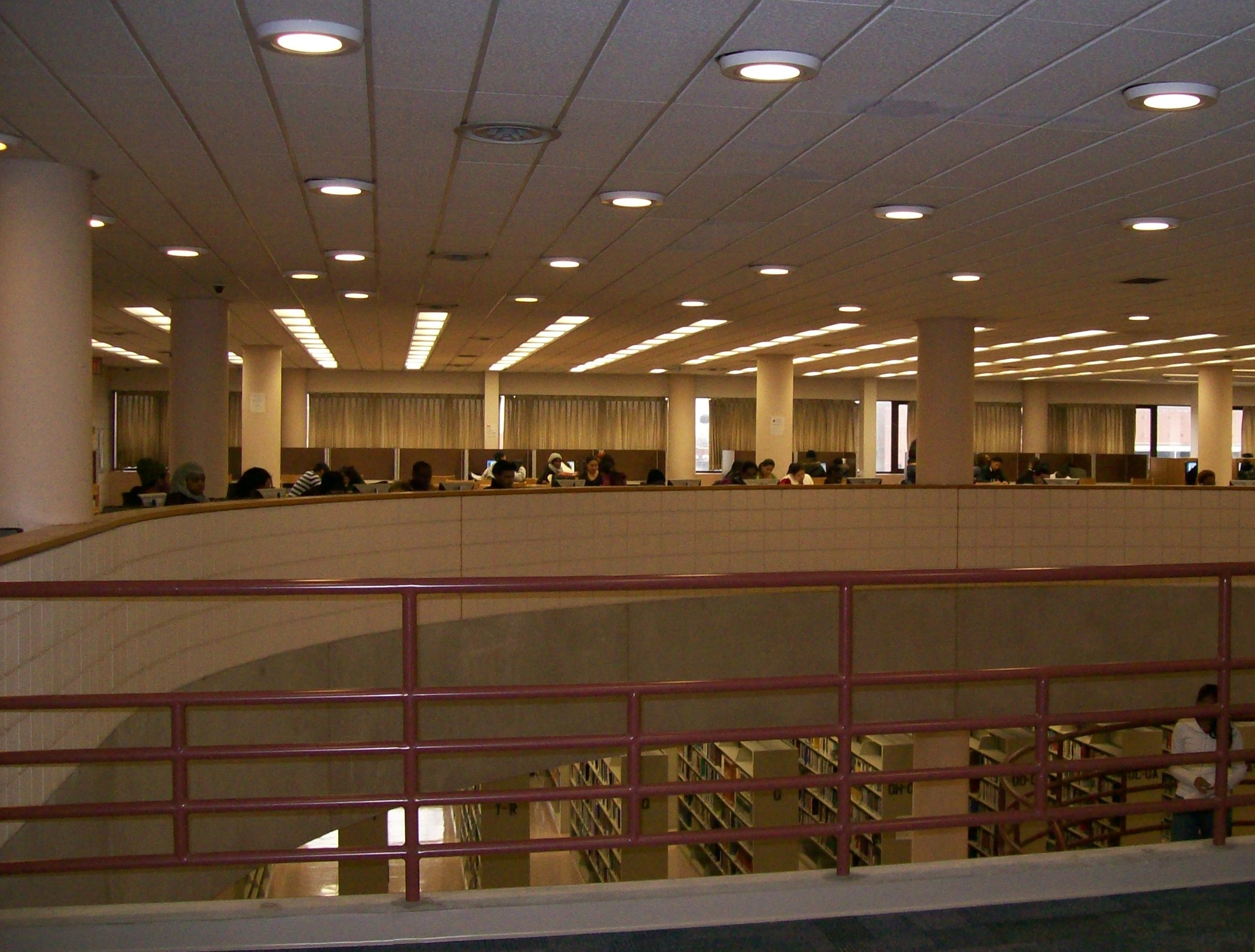 York College Library (PHOTO FROM YORK.CUNY.EDU)